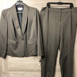 Le Suit Women's 14W Shawl Collar 2 Piece Suit NEW